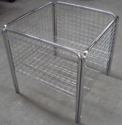 Столы и корзины для распродаж