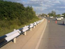Дорожные ограждения барьерного типа горячего цинкования с дополнительным защитным полимерным покрытием 11ДО-2-260 кДж/ У3
