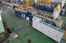 SBG-200 линия для производства двухслойных гофрированных труб ПНД