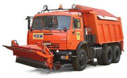 Комбинированная дорожная машина на базе автомобиля КамАЗ для зимнего и летнего содержания дорог