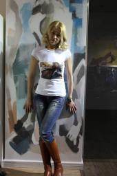 Женские футболки Luxury Queen