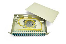 Кросс в стойку увеличенной ёмкости, используется со всеми типами волоконно-оптических кабелей.