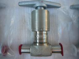 Клапан сильфонный С26410-015М (ст.08Х18Н10Т) Ду.15 Ру.200