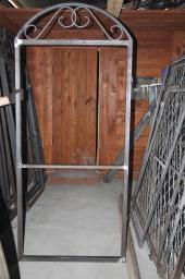 Изделия из металла для дач и домов