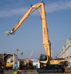 Экскаватор разрушитель HYUNDAI R520LC-9 DM