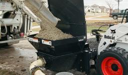 Навесное оборудование Bobcat - насос для бетона