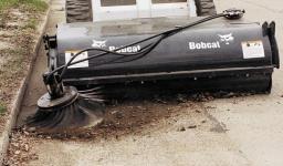 Навесное оборудование Bobcat - щетка для водосточных желобов