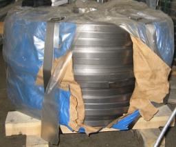 Лента стальная упаковочная 0,5-1,5х16-32 мм твердость до 48000Н