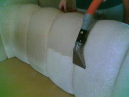 Химчистка диванов и кресел на дому