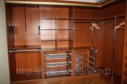 Шкафы для гардеробной комнаты №10