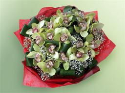 Букет 63 с орхидеями