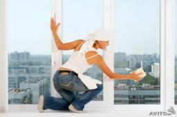 Мытье окон балкона, лоджии