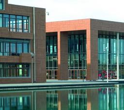 Пластик Hpl для отделки фасадов. Панели конструкционные архитектурные трудногорючие. Фасадный пластик hpl Resoplan Германия