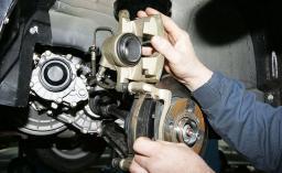 Замена и ремонт деталей тормозной системы
