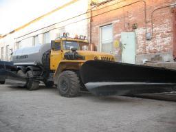 Автоцистерна АЦ-10 техвода МКД Урал 4320