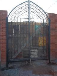 Распашные решетки и ворота