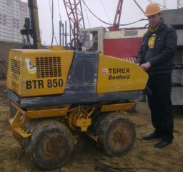 Аренда траншейного катка и уплонителя Terex btr 850