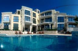 Черногория. Продаются квартиры в прекрасном комплексе, который расположен в поселке Бечичи,