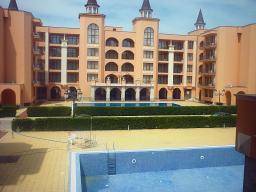 Недвижимость в Болгарии. Продается очень просторная двухкомнатная квартира на Солнечном берегу.