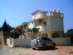 Черногория. Продается отличный трехэтажный дом