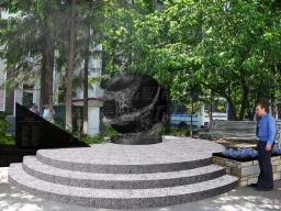 Проект памятника погибшим сотрудникам транспортной милиции