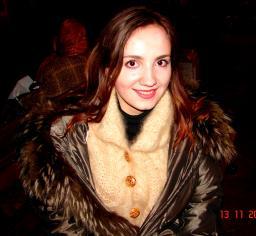 Пелерина женская ручного вязания кашемировая из собачьей шерсти .