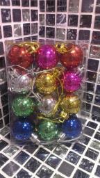 Новогодние украшения шарики цветные: Украшение елки цветные шарики 12шт.
