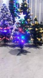 Елка светодиодная с лампочками и звездой.: Елка светодиодная с лампами 1.2м.