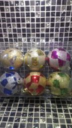 Новогодние украшения шарики цветные: Украшение елки шарики с напылением 6шт.