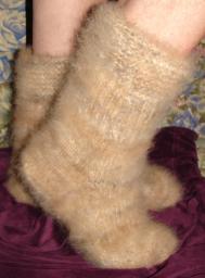 Носки красивые из собачьей шерсти .