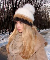 Шапка женская вязанная «Теплое Обаяние2» из собачьей шерсти .