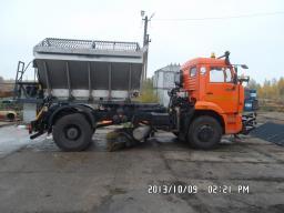 Дорожная машина КДМ-7881.04 на шасси КамАЗ-53605 (двиг. Евро-3)