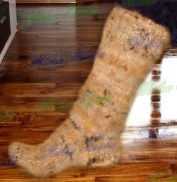 Носки из собачьей шерсти . Очень теплые носки .