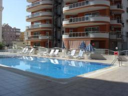 Продается просторная квартира в Турции, в центре Махмутлара