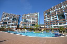 Продается в Турции элитная трехкомнатная квартира в центре Алании