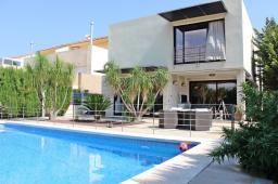 Продается современная двухэтажная вилла в Испании
