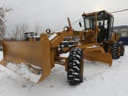 Снегоуборочный грейдер Коматсу 18 т.