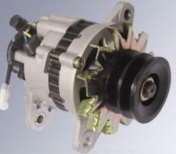 Генератор Mitsubishi 6D14, 6D15, 6D16, 6D17 с ваккумным насосом 24в 60а