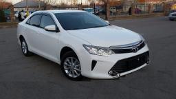 Аренда автомобиля Toyota Camry V55 с водителем 2015 год