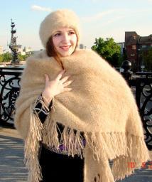 Шаль пуховая женская «Светлые Грезы» из собачьей шерсти .