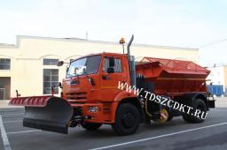 КДМ-650-09 на базе КамАЗ-53605 с Пескоразбрасывателем, отвалом и щеткой