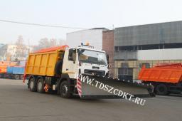 Комбинированная машина КДМ-7882 с Бункером, Скоростным отвалом и Щеткой