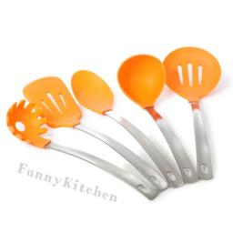 Набор кухонных принадлежностей 5