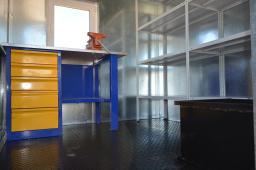 Вагон-дом вагончик слесарная инструментальная мастерская передвижная на прицеп-шасси тракторном