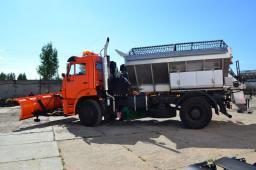Дорожная машина КДМ 7881 на шасси КамАЗ-53605 (зимнее исполнение)