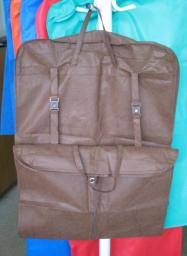 Чехол для одежды дорожный (с боковыми вставками и кнопками и пряжками) 130