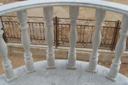 Балясины и перила из мрамора