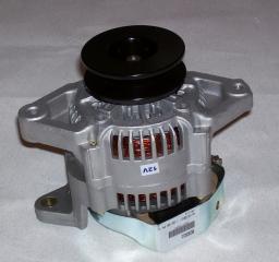 Генератор двигателя Isuzu 4BC2 8-94336-728-0 LR240-401