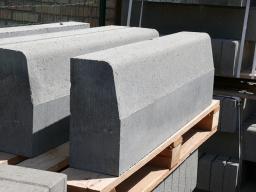 Вибропресованные дорожные и магистральные бортовые камни от производителя с доставкой по Москве и Московской области
