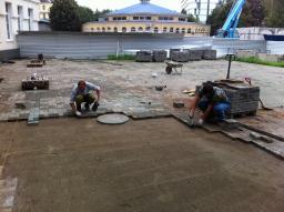 Работа по укладке тротуарной плитки и бетонной брусчатки, услуги по укладке плитки на готовое основание в Москве и МО